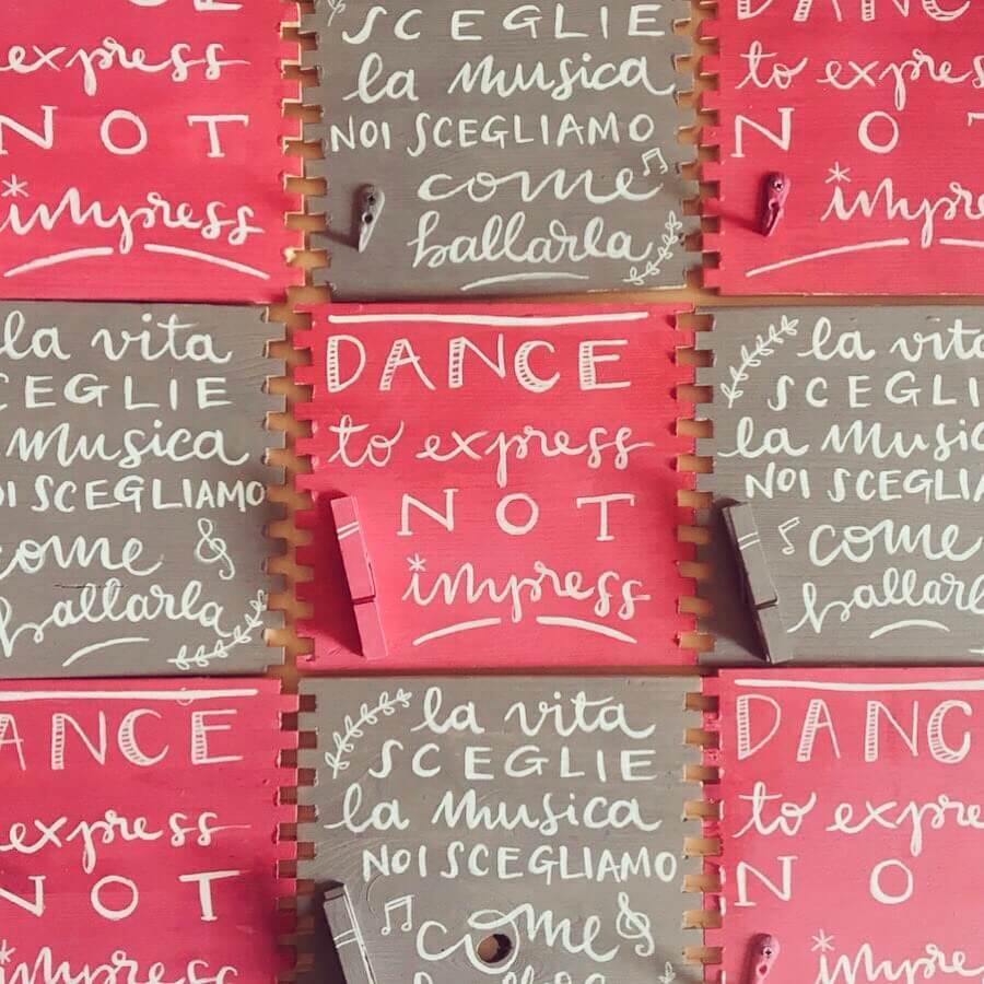 L'ideista - cassette e cartelli (1)